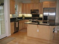 $2990 / 3br – 1740ft² – Coming Soon ~ Sparkling Water & Bridge Views ~ Downtown Benicia